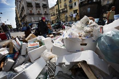 Sopkatastrof i Neapel